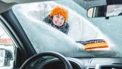 Bezpieczna jazda zimą - 10 ważnych zasad