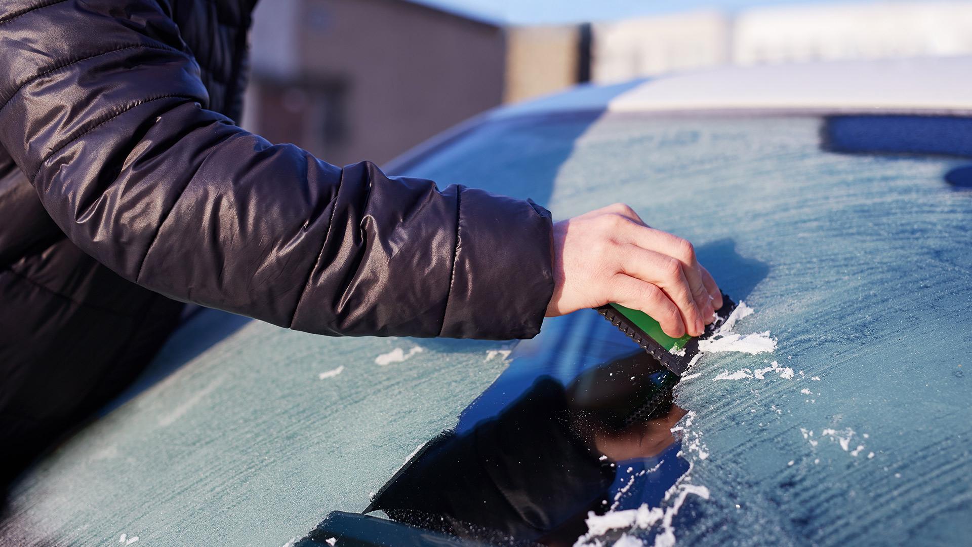 TOP10 akcesoriów samochodowych, które przydadzą się zimą